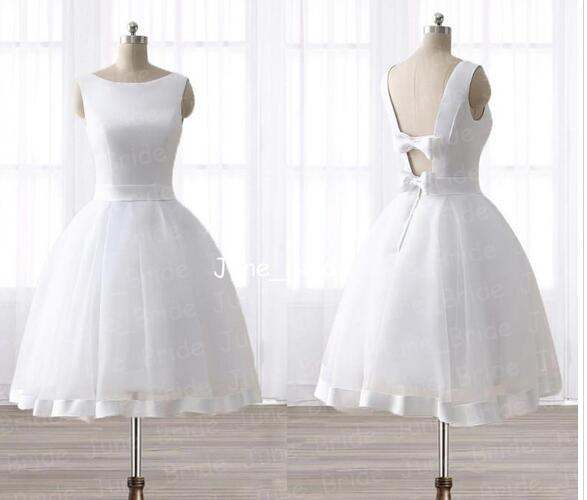 Simply Backless Short Princess Ball Gown Wedding Dresses Bateau Neckline Knee-Length Garden Bridal Gown Fairy Girl Boho Little Wedding Wear