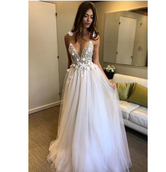 Elegant Deep V-neck A-line Wedding Dresses Sleeveless Zipper Back Appliques Beaded Bridal Wedding Gowns robe de mariee
