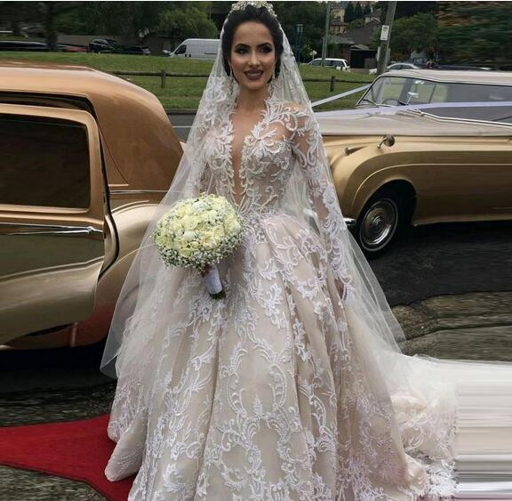 Amazing Retro Lace Wedding Dresses Spring Summer Long Sleeves Bridal Gowns Custom Made Ball Gown Court Train See Through Wedding Vestidos
