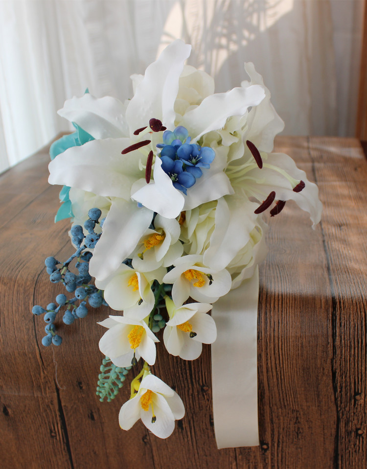 New Arrival Beautiful Vivid Wedding Bouquet Handmade Flowers White Lily Teardrop Cascade Bridal Bouquet Wedding bouquets