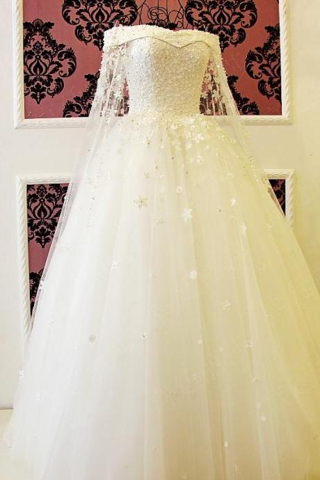 Luxury Ball Gown Wedding Dresses Sheer Long Sleeve Handmade Flowers Pearls Lace Up Bridal Gowns
