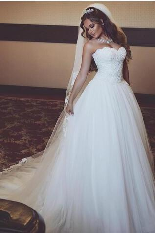 Lace Sweetheart Floor Length Tulle Wedding Gown Featuring Train