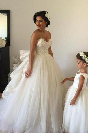 2018 Wedding Dresses with Detachable Train Sweetheart Beaded Bodice Spring Wedding Gowns Vintage Ball Gown Wedding Dress with Veil Arm Bands