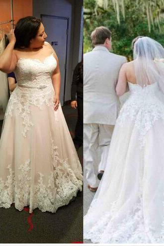 Plus Size Lace Wedding Dresses Strapless Backless Sweep Train Bridal Gowns Sheath Appliqued Long Wedding Dress