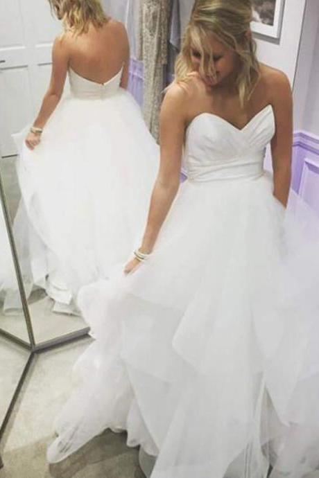 Simple Strapless White Sweetheart Tiers Wedding Dress for Women