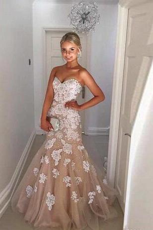 2018 Full Appliques Luxury Mermaid Wedding Dresses Lace Beads Bridals Gowns Sweetheart Neck Zipper Back Sweep Trian Wedding Gown