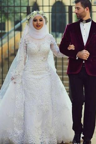 Arab Hijab Saudi 2018 Vintage Lace Muslin Wedding Dresses With Detachable Train High Neck Long Sleeves Beaded Over Skirt Bridal Wedding Gown