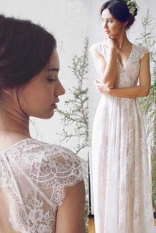 2018 Romantic Lace Wedding Dresses V Neck Keyhole Back Bride Gowns Cap Sleeves Custom Size A Line Beach Boho country Wedding Party Dress