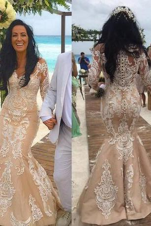 2018 Beach Champagne Lace Long Sleeve Wedding Dresses Plus Size Vintage Crew Bling Arabic Style Bridal Gowns Custom Made