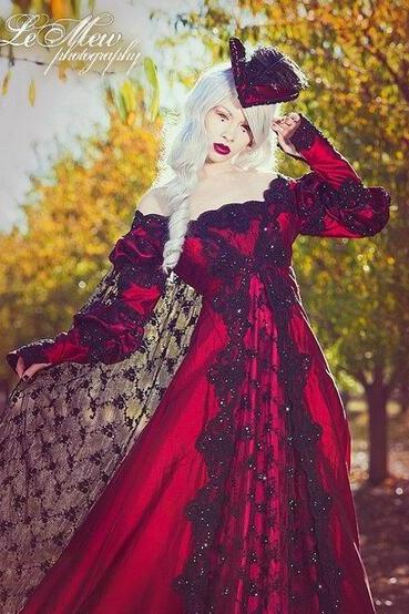 Black Lace and Red Gothic Wedding Dresses 2018 Fancy Robe de Mariage Ruffle Ruffles Graden Sexy Off Shoulder Long Sleeve Fancy Bridal Gowns