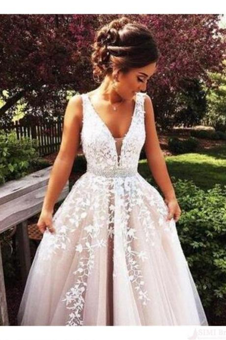 Gorgeous V-neck Applique White Long Prom Dresses Evening Dresses