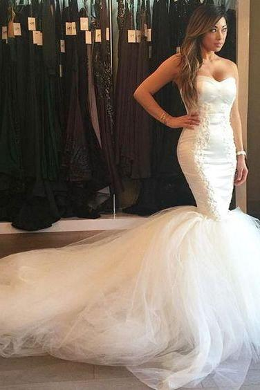 Strapless Sweetheart Lace Appliqués Tulle Mermaid Wedding Dress with Long Train